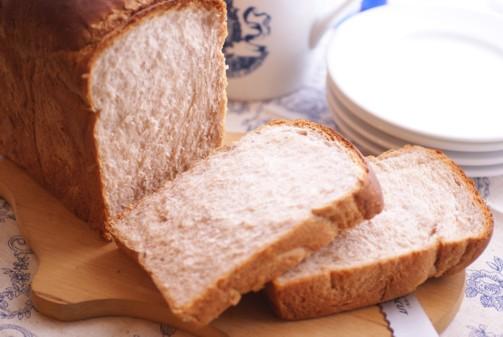 B横黒豆シロップ食パン