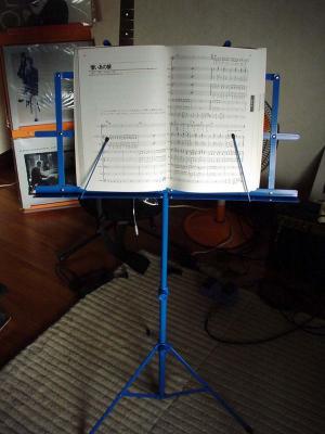 ブックタイプの楽譜もしっかりホールド