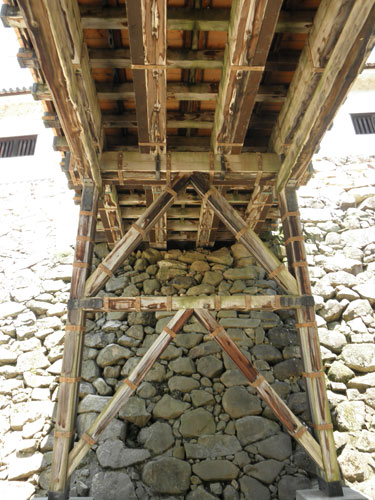 彦根城橋裏