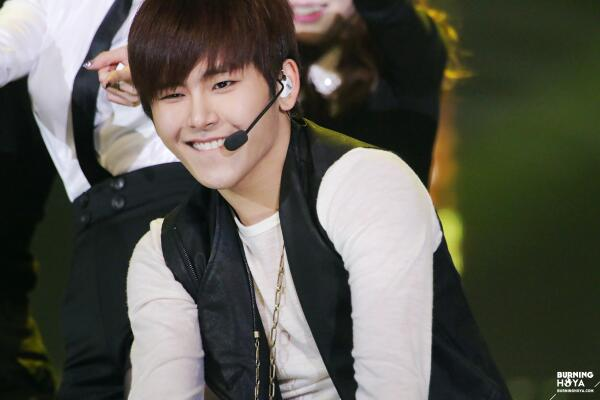 131229 SBS Gayo Daejeon - Hoya1
