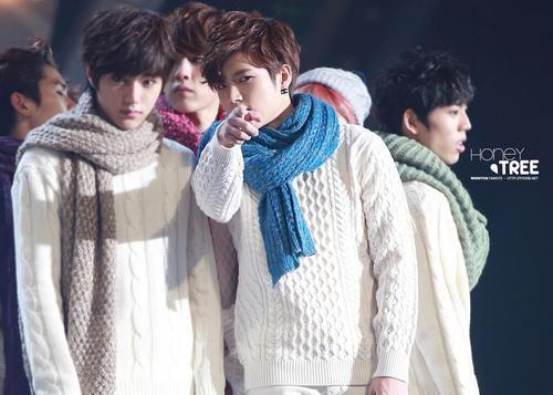 131229 SBS Gayo Daejeon - Kim Myungsoo wh