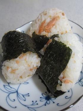 20141021 鮭おにぎり (2)