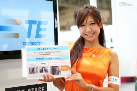穂川果音 / TE Connectivity -CEATEC JAPAN 2011-
