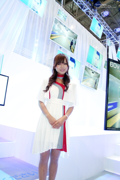 高橋利江 / SHARP -CEATEC JAPAN 2011-