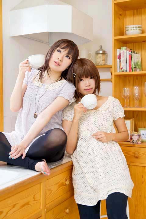 お揃いワンピ/朝のキッチン編