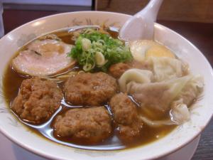 10062713やまと・肉団子そば(ワンタントッピ) 800円(900円)