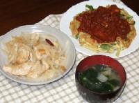 6/11 夕食 メカジキと玉ねぎのにんにく炒め、スナップエンドウのスペイン風オムレツ、ネギとワカメのみそ汁