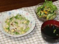 6/12 夕食 レタス玉子チャーハン、もずくと春雨のエスニックサラダ、ワカメスープ