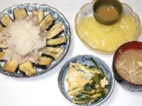 7/1 夕食 揚げなすと冷しゃぶ、ニラの卵とじ、刺身こんにゃく、もやしのみそ汁
