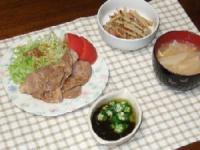 7/9 夕食 豚肉のしょうが焼き、ごぼうとベーコンの炒め物、オクラもずく酢、大根のみそ汁