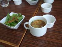 4/26 ランチのサラダとコラーゲンスープ