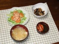 5/22 夕食 エビマヨ、五目ひじき煮、キムチもずく酢、玉ねぎと玉子の味噌汁