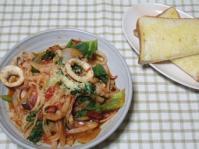 5/25 昼食 イカとトマトのスパゲッティ(大豆麺)