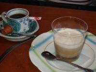 5/2 デザート カフェラテムースとコーヒー  甲羅本店