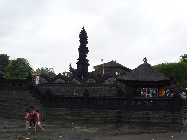 愛する猫ちんと船釣りと観光地めぐり-タナロット寺院
