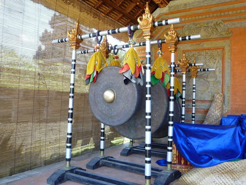 愛する猫ちんと船釣りと観光地めぐり-バトゥアン寺