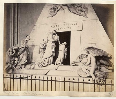 704px-Frith,_Francis_(1822-1898)_-_n__2340_-_Tomb_of_Marie_Christine_by_Canova_-_Vienna