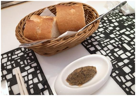 銀座アヒル、パン