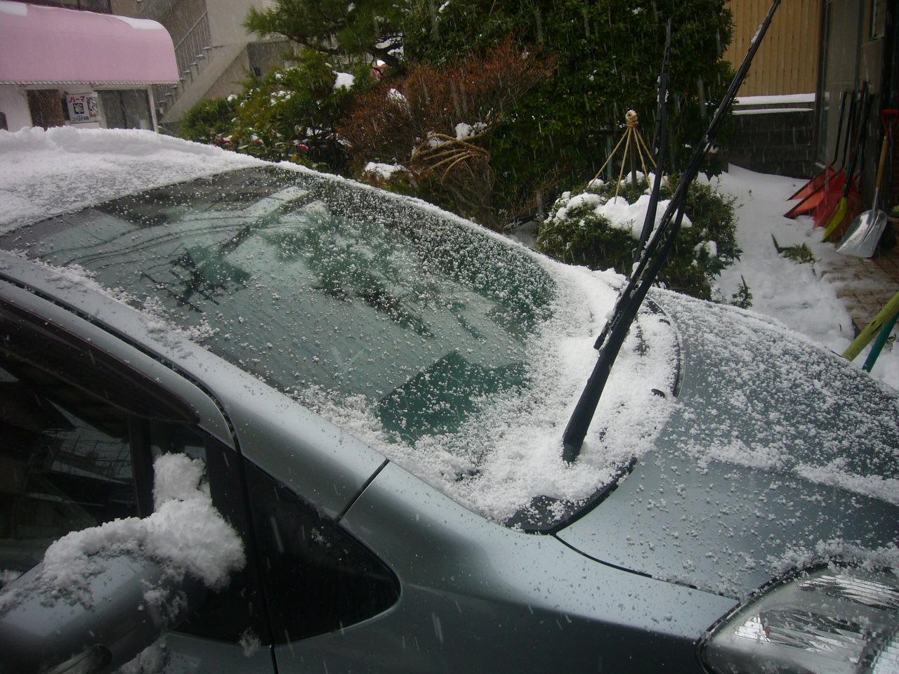 フロント部に雪が積もると・・H26.12.18