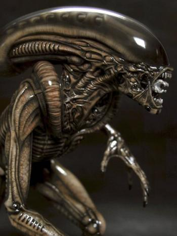 aliendog hal2