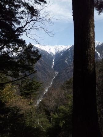 201203201122宝剣岳遠望