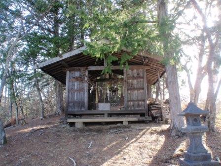 20120428 051青葉荘の裏の神社