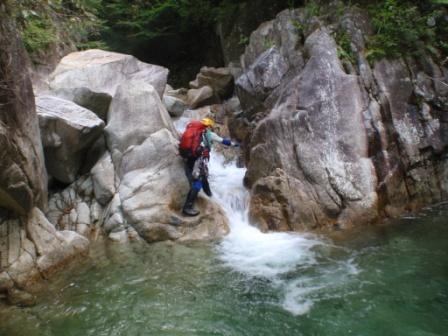123 入渓点の滝