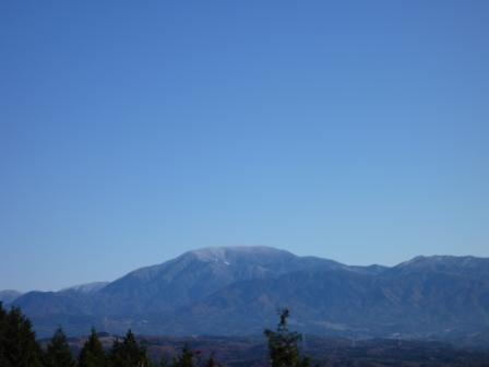 20121116 041山頂から恵那山