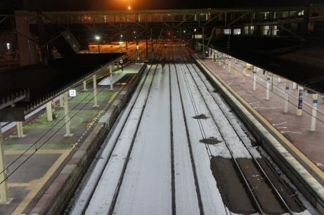 2010-12 駅の橋から