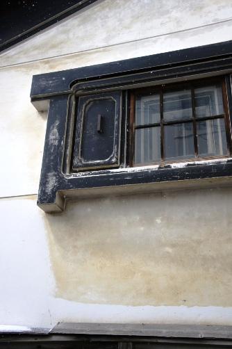 渋温泉・蔵の窓