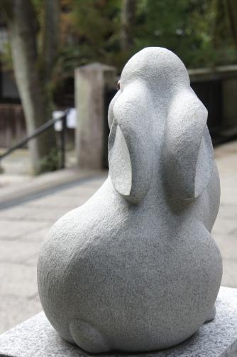 岡崎神社の狛兎③