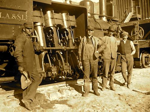 railroadworkers1.jpg