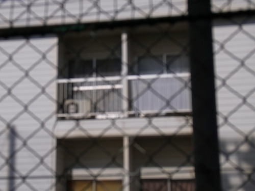 隣接建物の簡易日よけ・目隠し