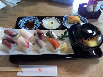 季節の魚の押し寿司♪