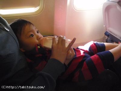 飛行機と赤ちゃん