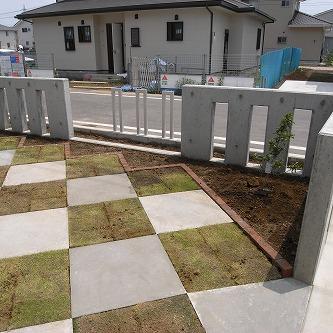 青トラな外構48 花壇スペース