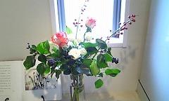 s24年12月玄関花