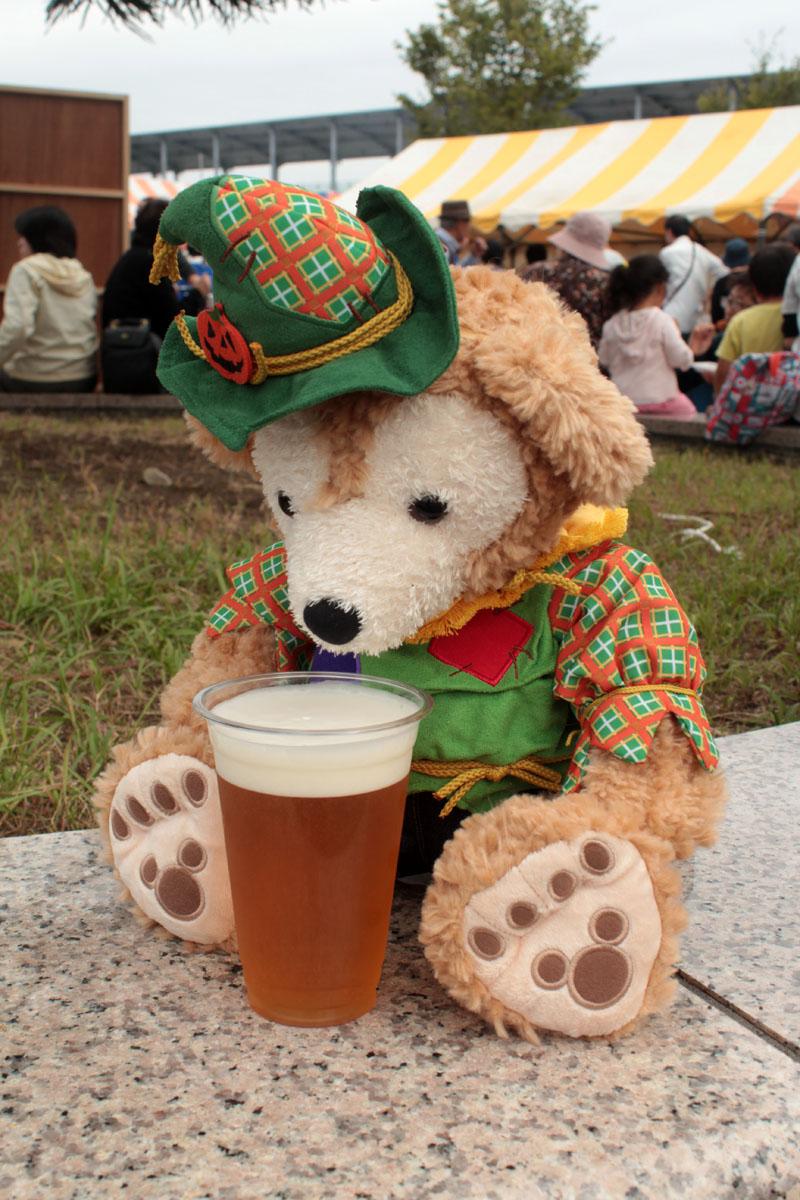 Duffy マグロまつりでビールを飲む 141012