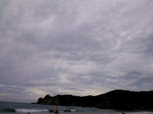 曇天の浜辺2