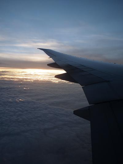 上空から見る日暮れの風景