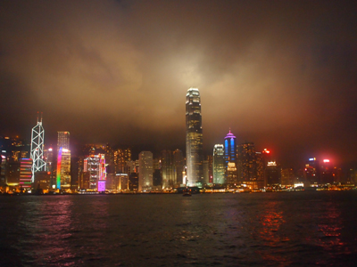 船の上から見る夜景