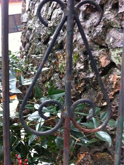 ハートを探せ  八幡階段岡野宅2