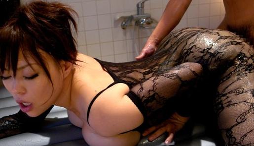 ぬめるムチ尻女の極上パンストソープ 中森玲子の脚フェチDVD画像5