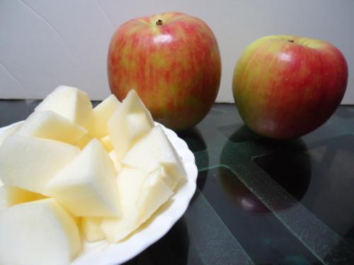 9/30いただき物・リンゴ