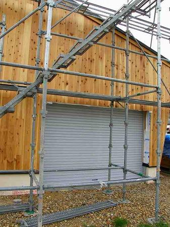車庫周り外壁杉板貼り