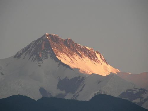 朝焼けのアンナプルナⅡ峰