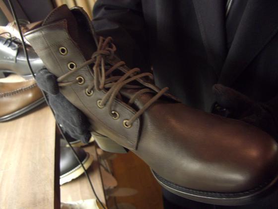 山梨県甲府市の靴屋