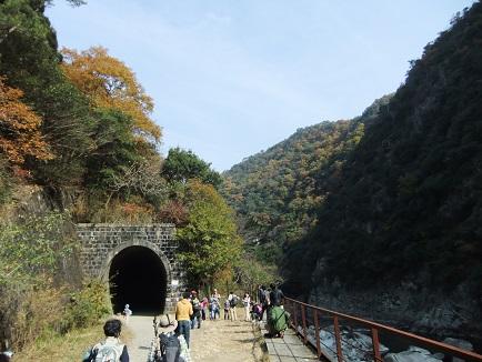 トンネルA