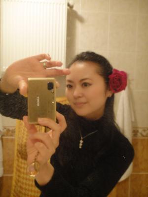 2010_1225_バラの花と私