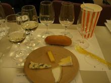 スローライフ日記-ワイン学校(チーズとワイン).JPG